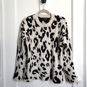 SOMETHING NAVY Leopard Crewneck Pullover Size Small